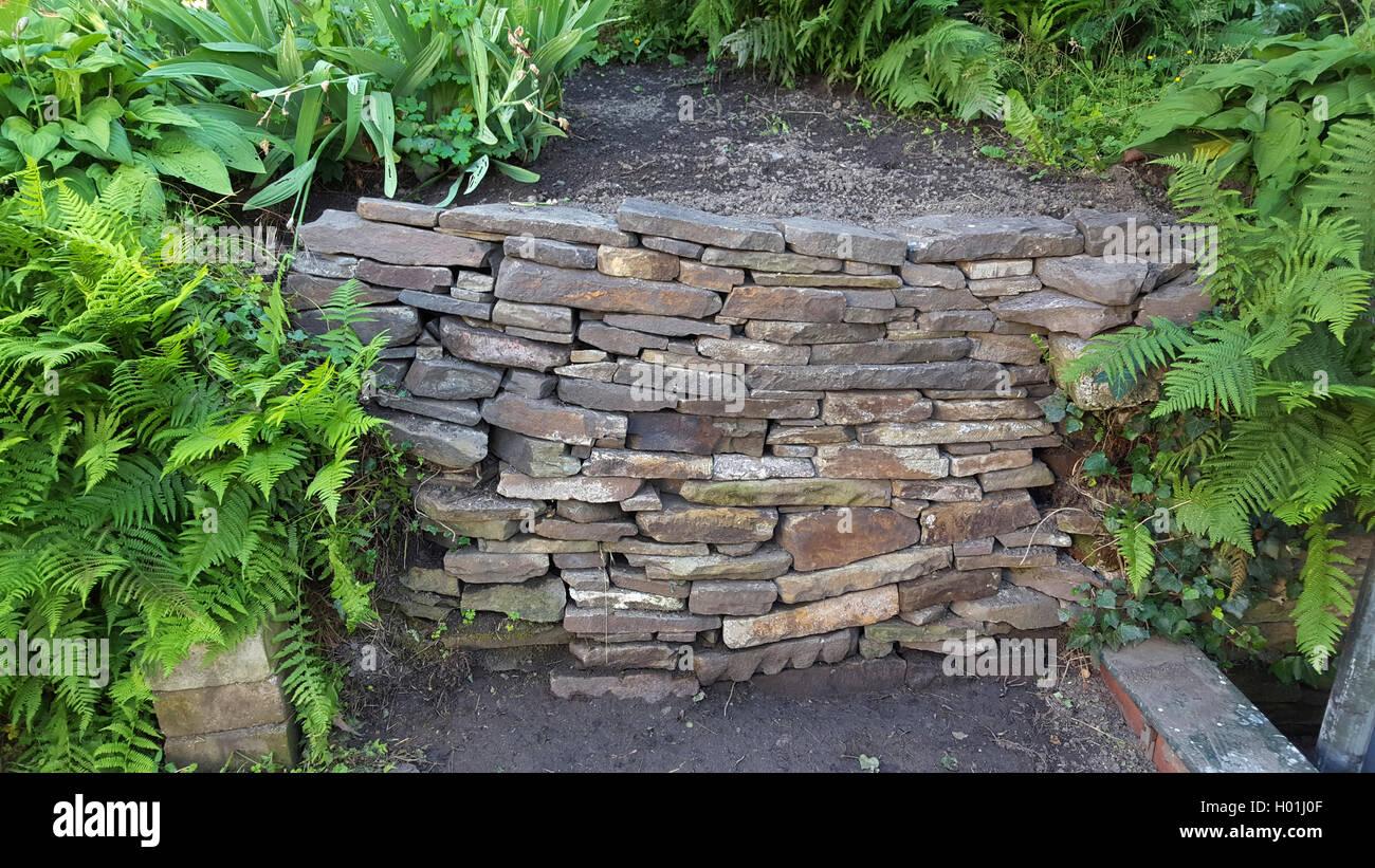 natursteinmauer im garten | trockenen steinmauer im garten