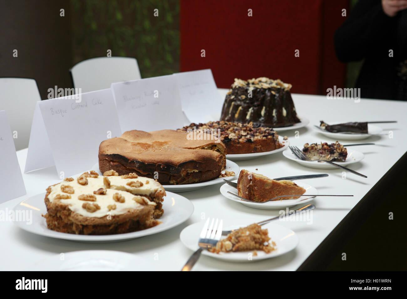 Buro Bake Off Hausgemachte Kuchen Stockfoto Bild 120514793 Alamy