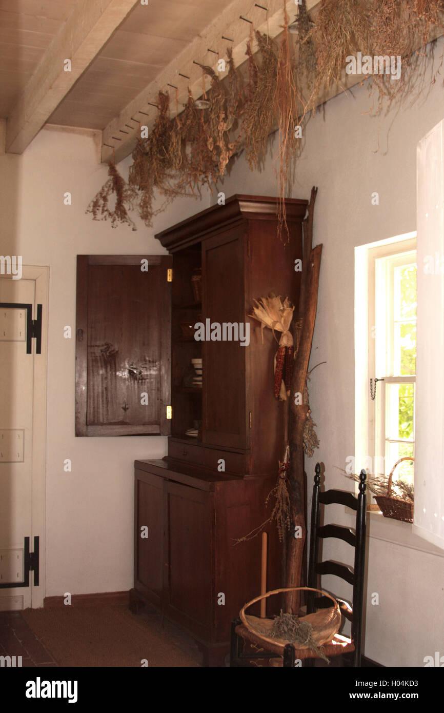 Hang To Dry Herbs Stockfotos & Hang To Dry Herbs Bilder - Alamy