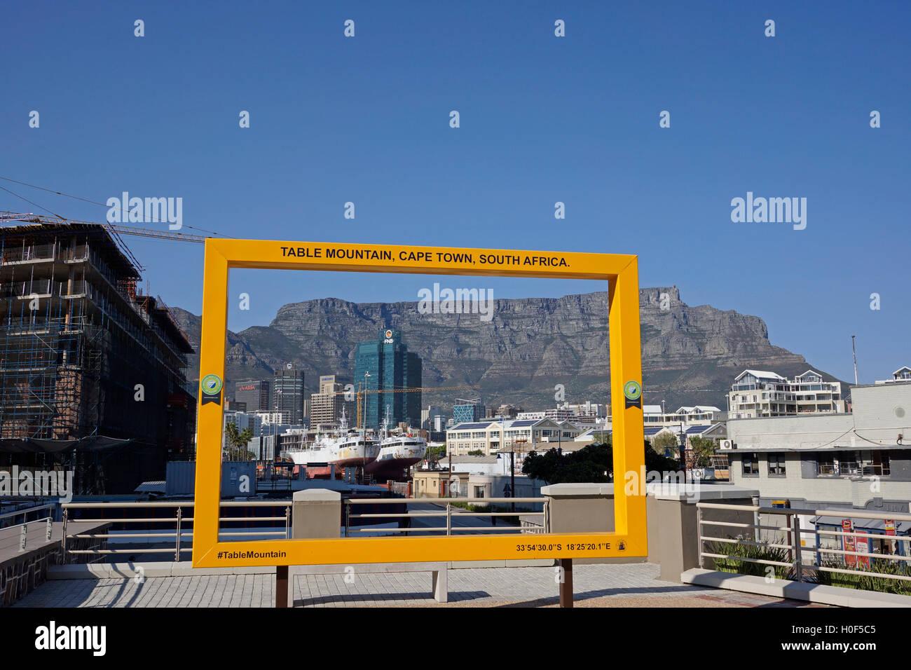 Gelber Rahmen bei der Victoria & Alfred Waterfront, Cape Town, South ...