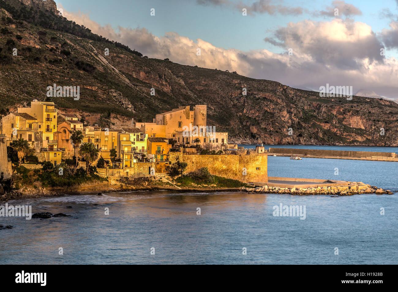 Castellamare del Golfo, Gesamtansicht, Palermo, Sizilien, Stockbild