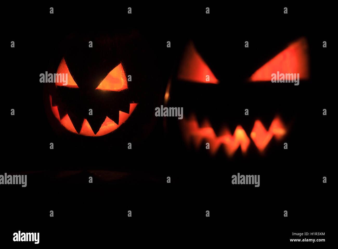 Schrecklichen Kürbis Gesichter Stockfoto Bild 121595228 Alamy