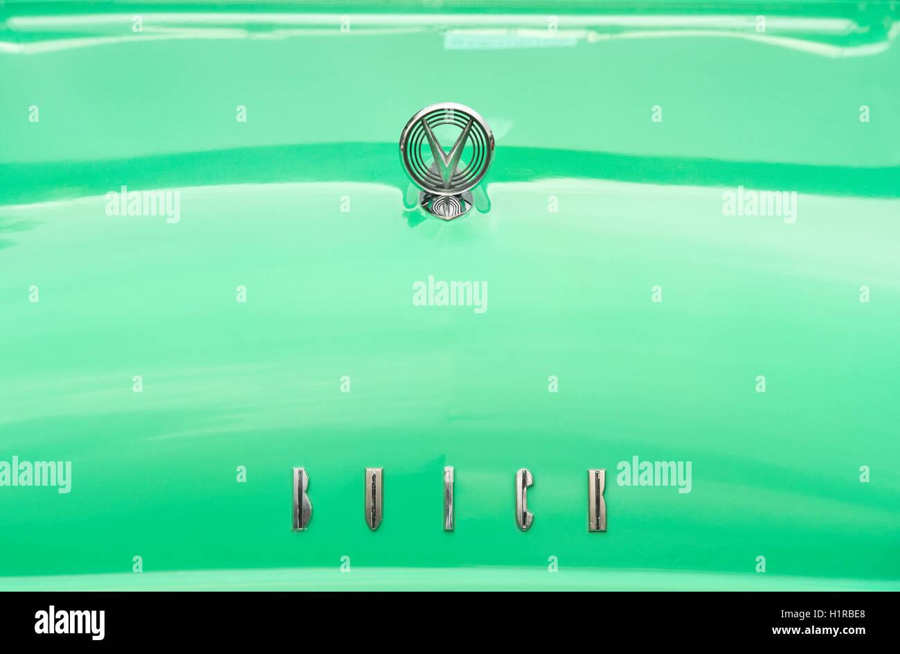 1955 Buick Roadmaster Kühlerfigur und Abzeichen. Klassische amerikanische 50er Jahre Auto Stockbild
