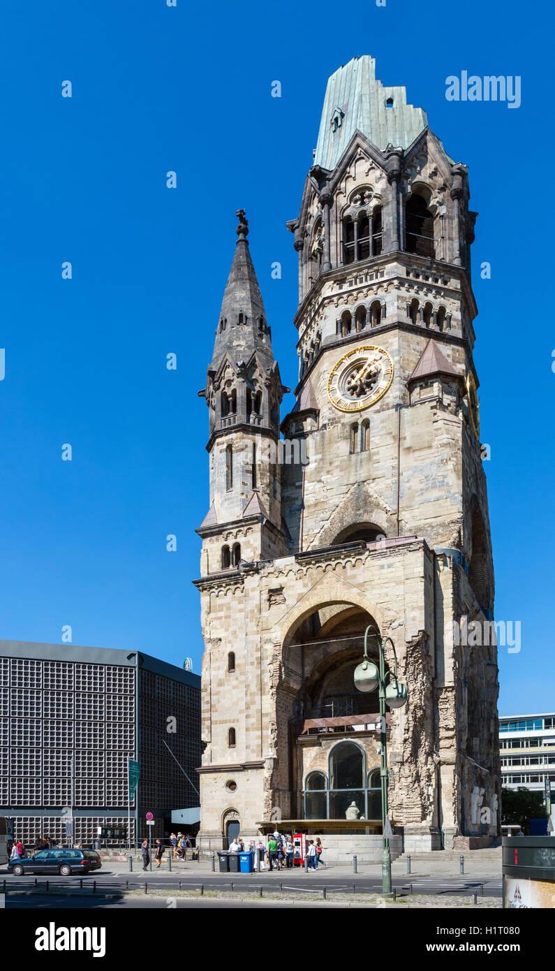 Die Ruine der Kaiser-Wilhelm-Gedächtniskirche, Kurfürstendamm, Berlin, Deutschland Stockfoto