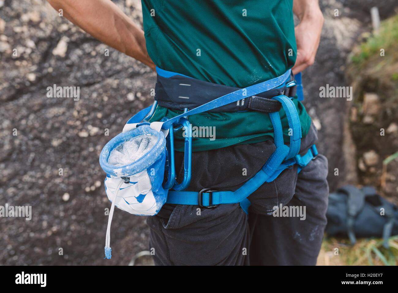 Klettergurt Tasche : Haltbarkeit und pflege von klettergurten