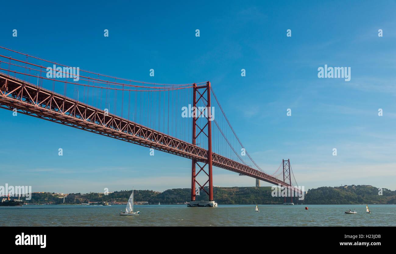 Lissabon Fluss ponte 25 de abril 25 april brücke fluss tejo lissabon region
