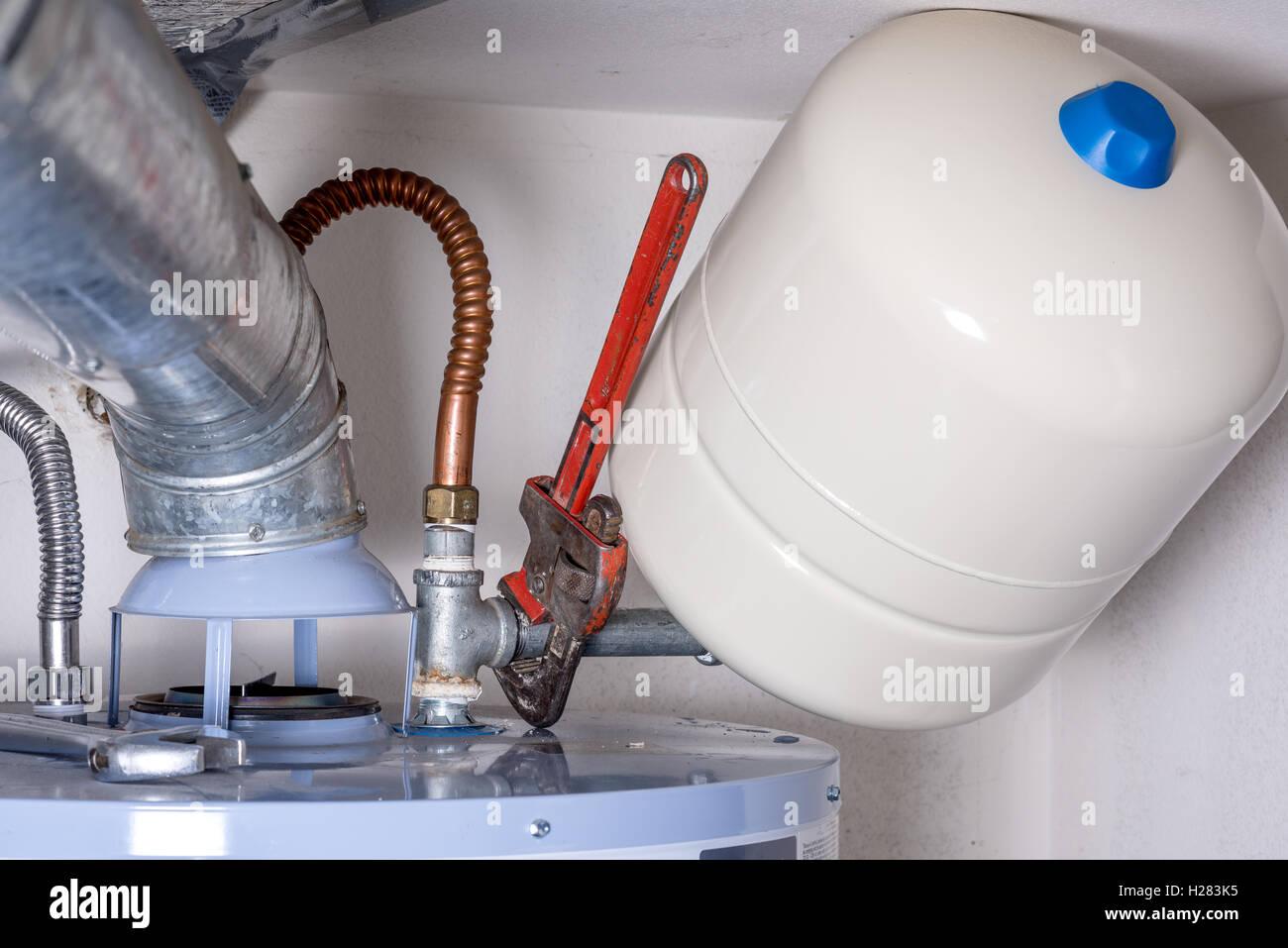 Erfreut Warmwasser Tank Zentralheizung Bilder - Schaltplan Serie ...