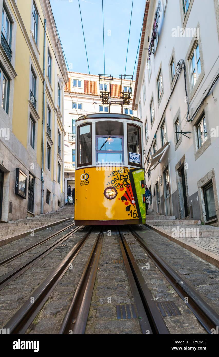 Ascensor da Bica, Bica Standseilbahn, Calçada da Bica Pequena, Lissabon, Portugal Stockbild