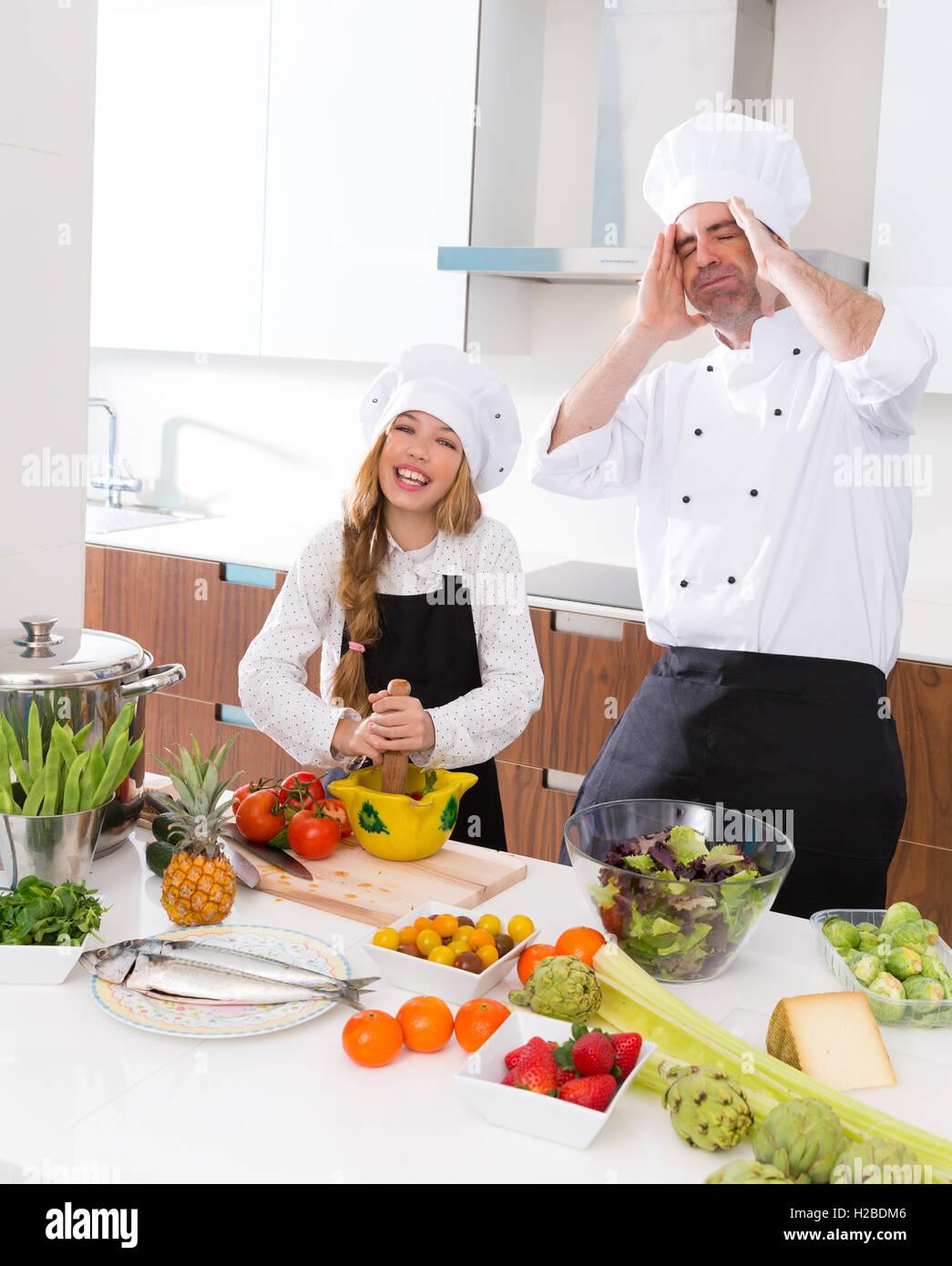 Schön Meister Koch Beste Wahl Lustige Und Junior Kind Mädchen Kochen Schule