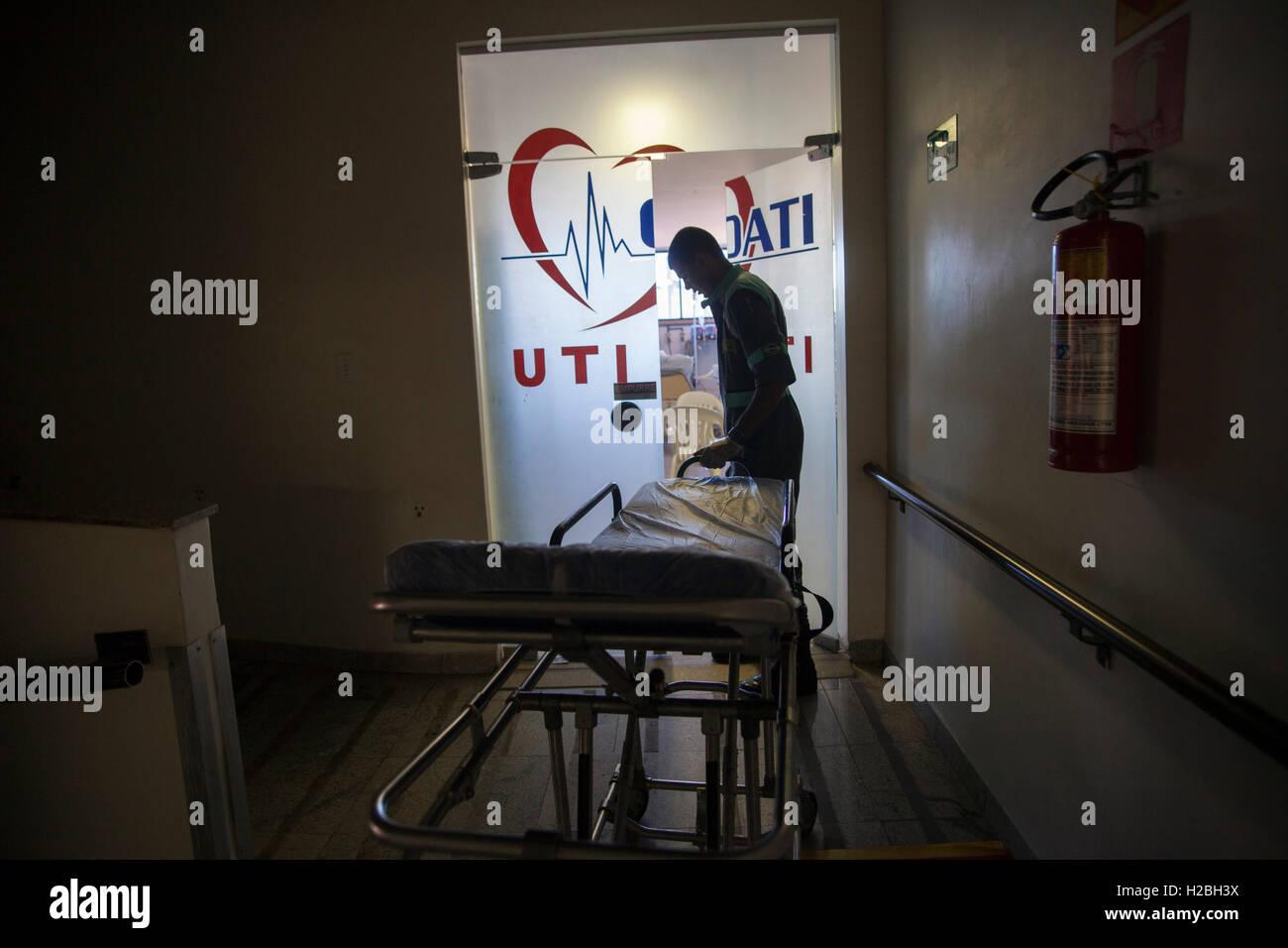 Eingang von einer Intensivstation (ICU), eine spezielle Abteilung eines Krankenhauses oder einer medizinischen Einrichtung, Stockbild