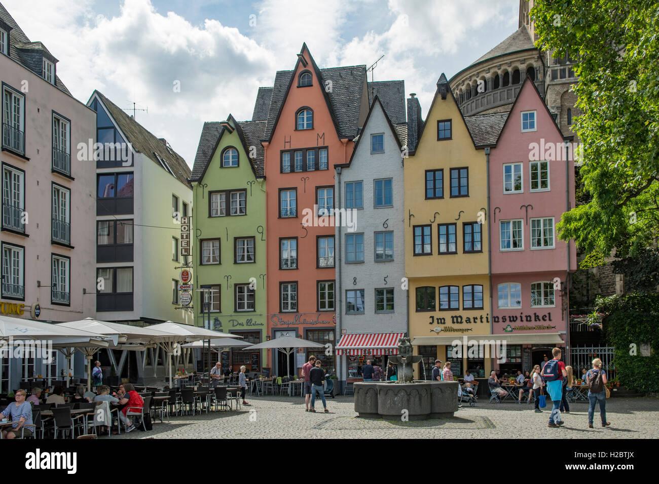 Historische Gebaude Fischmarkt Koln Nordrhein Westfalen Deutschland Haus Zum Breiten Herd