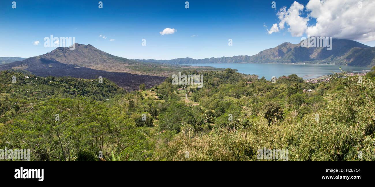 Indonesien, Bali, Kedisan, Gunung Batur verdoppeln Caldera, Höhepunkt im Krater und Danau Batur See, Panorama Stockbild