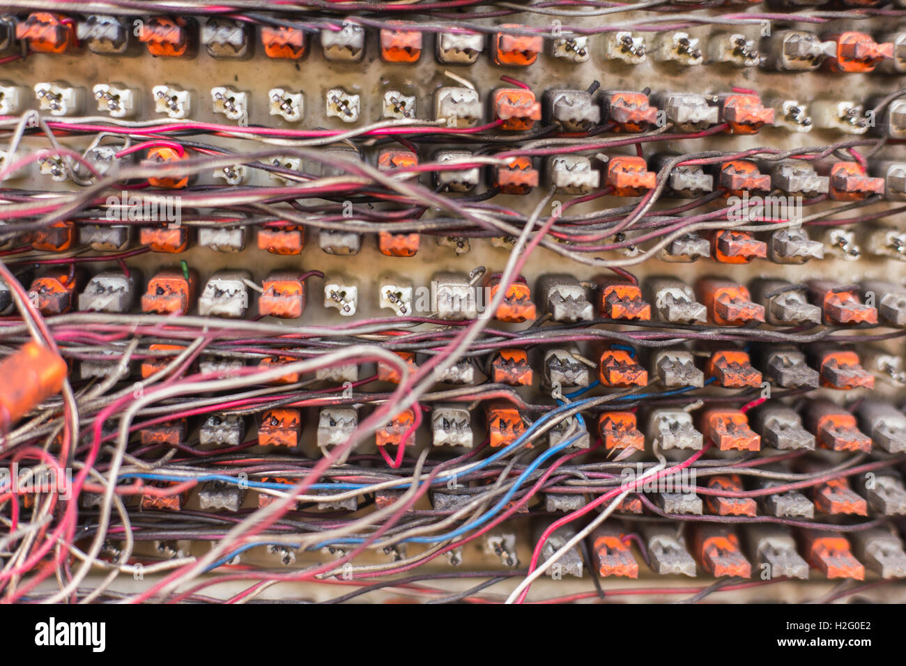 Chaotic Electric Wiring Cables Stockfotos & Chaotic Electric Wiring ...