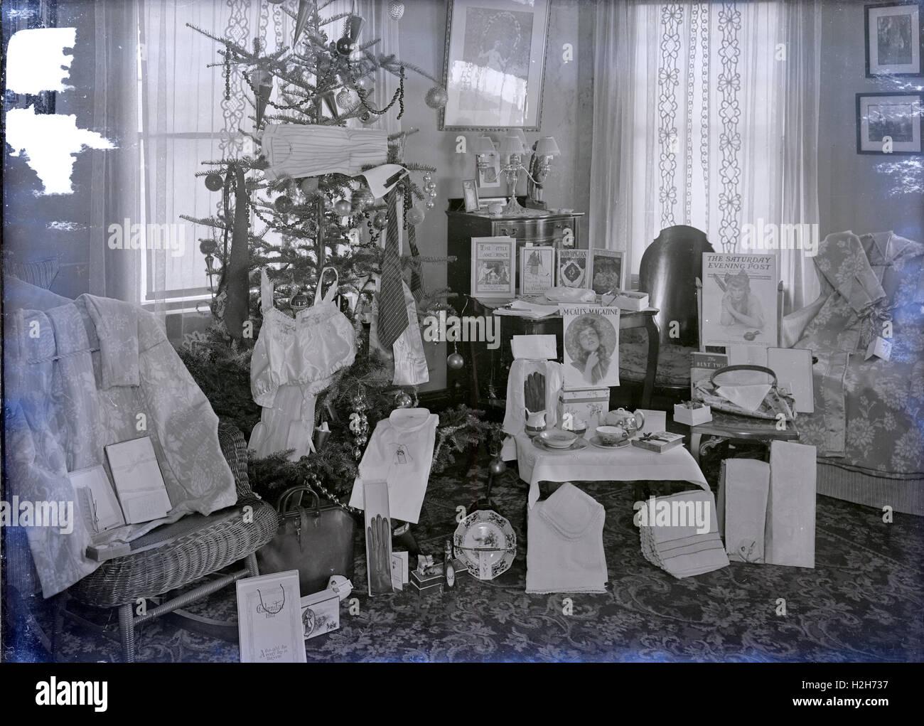 Antike Dezember 1916 Foto Weihnachtsgeschenke Von Baum Im Zeitraum
