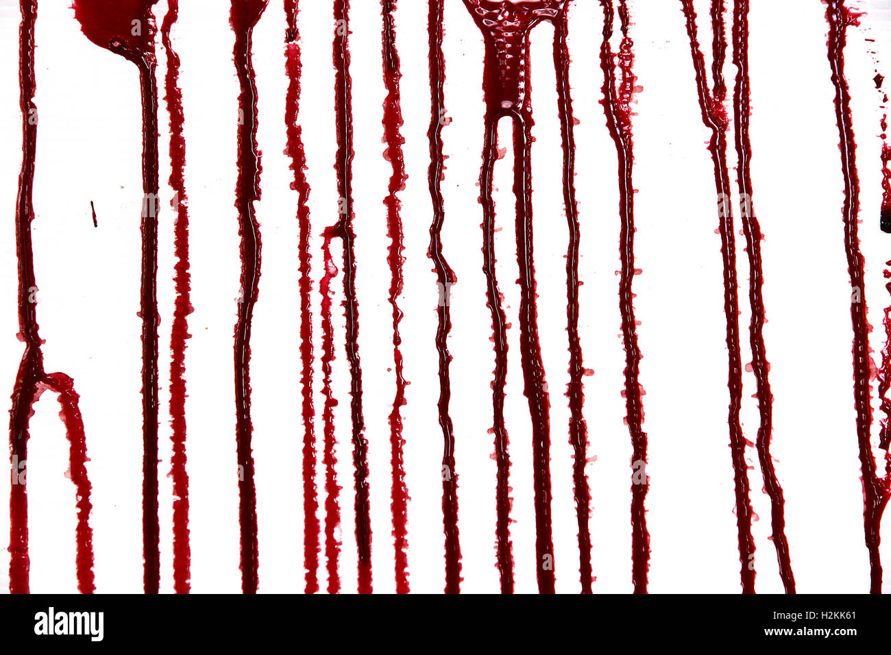 8 einstellen. Blutstropfen und Blutflecken auf isolierten weißen Hintergrund für Horror Inhalt. Stockbild