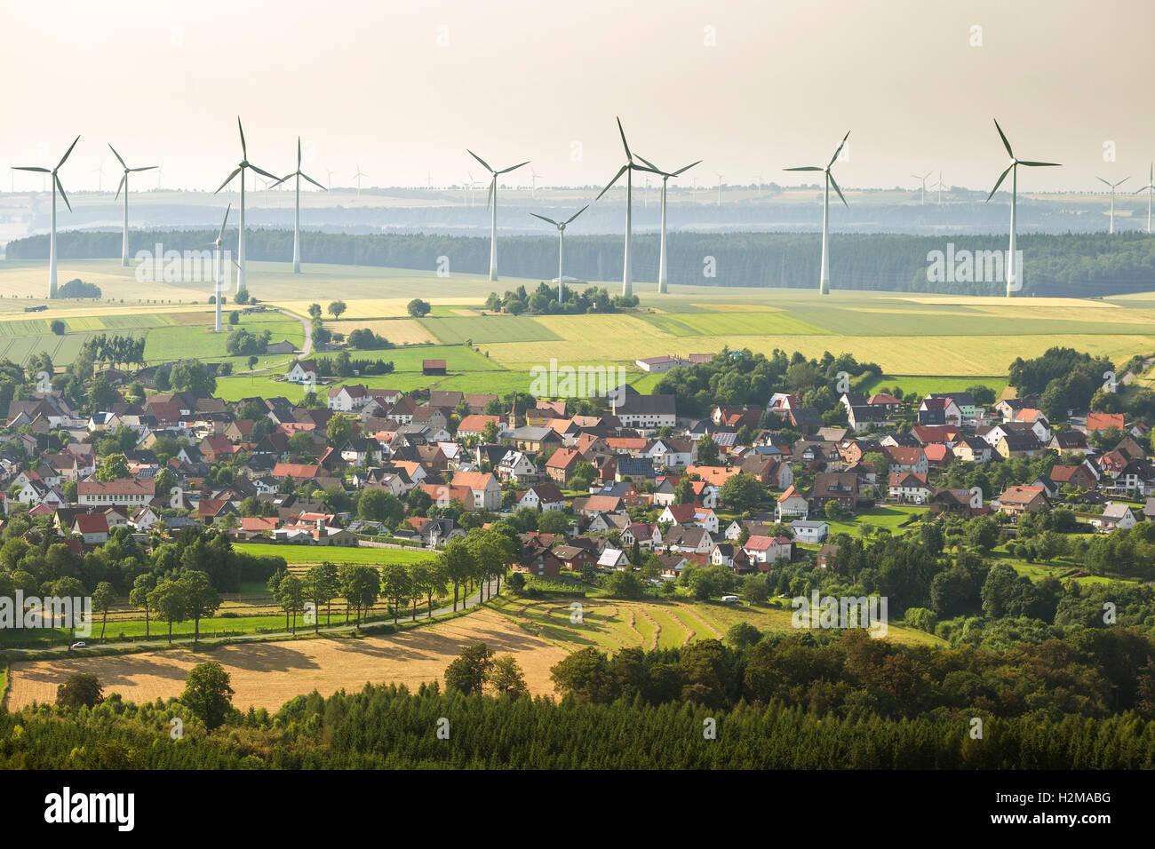 Luftbild, Essentho mit Windparks, Windkraftanlagen auf Sintfeld, Marsberg, Sauerland, Hochsauerland administrative Stockbild