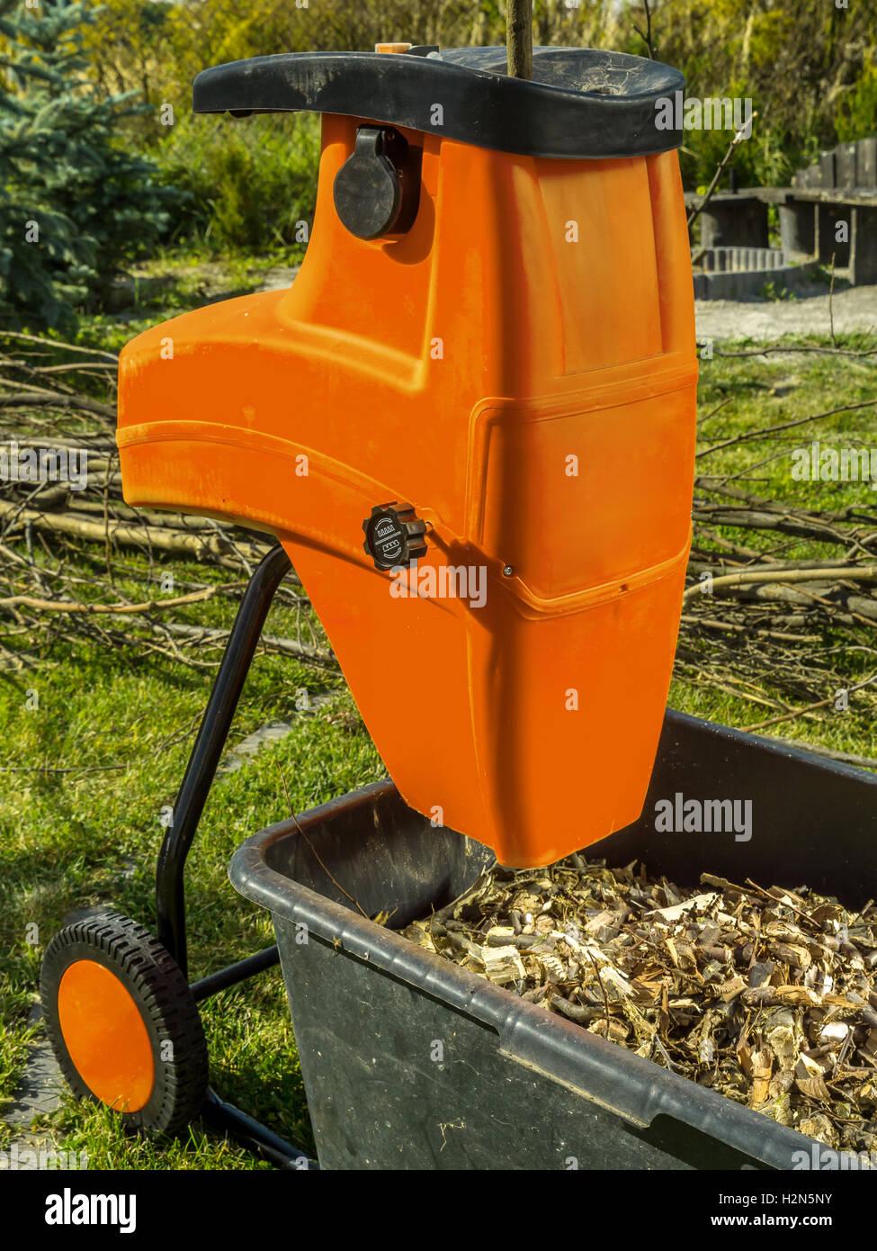 Lieblings Elektro Holz Schredder mit Hackschnitzel für Garten Mulchen #MW_26