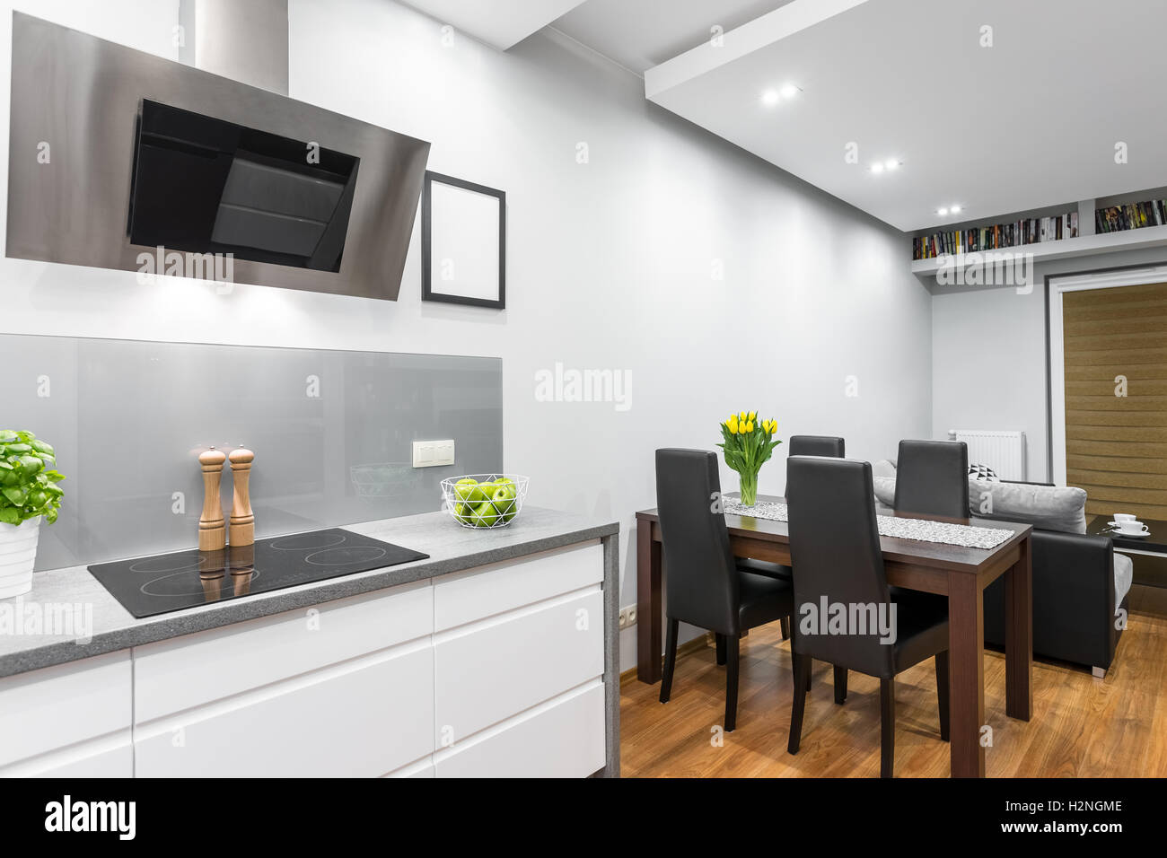 Hob Set In Worktop In Stockfotos & Hob Set In Worktop In Bilder - Alamy