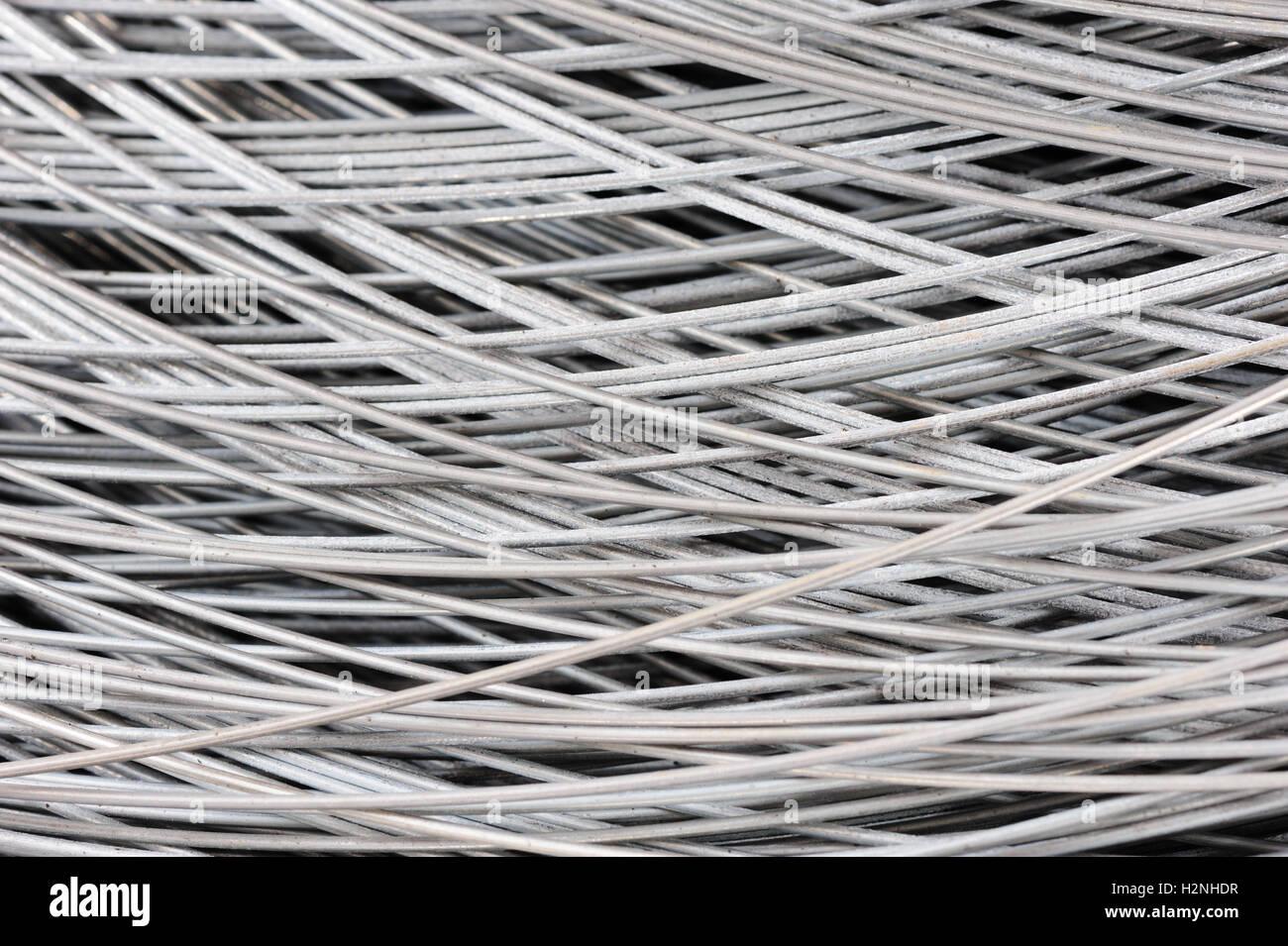 Groß Kabelkanal Aus Metalldraht Zeitgenössisch - Elektrische ...