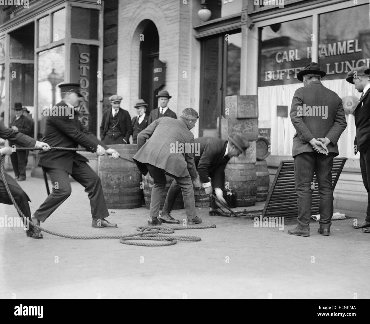 Schnaps Raid, Washington DC, USA, National Photo Company, April 1923 Stockbild