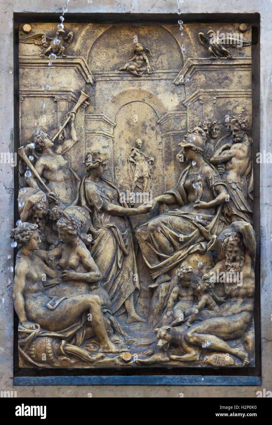 Beziehung zwischen Rom und Augusta Vinelicorum (Augsburg). Vergoldete Bronzerelief des niederländischen Manierismus Stockfoto