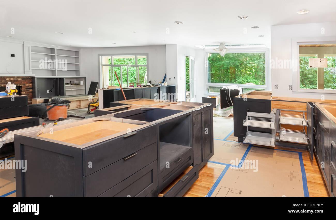 Küchenschrank und Insel-installation Stockfoto, Bild: 122201743 - Alamy