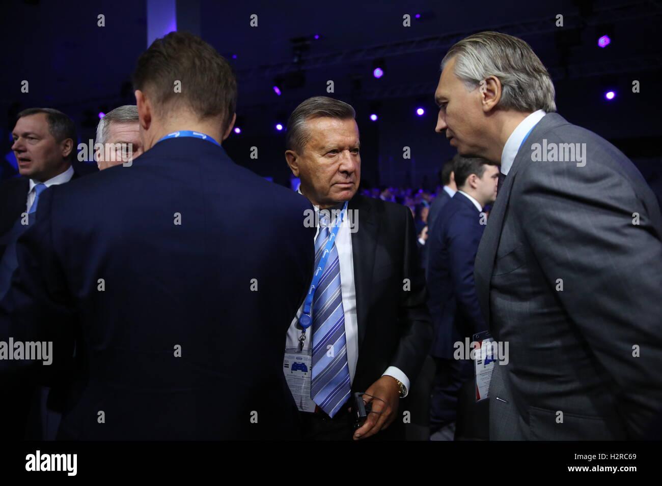 Sotschi, Russland. 30. September 2016. FC Zenit Präsident Alexander Dyukov und Gazprom Board of Directors Vorsitzender Stockfoto