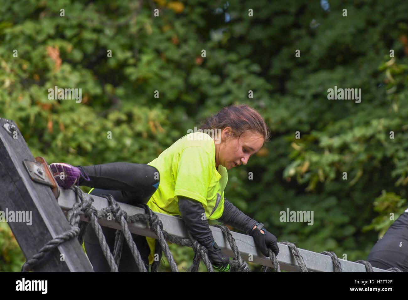 Aktion ausführen 2016 - Hindernislauf in der Stadt von Norrköping, Schweden Stockbild
