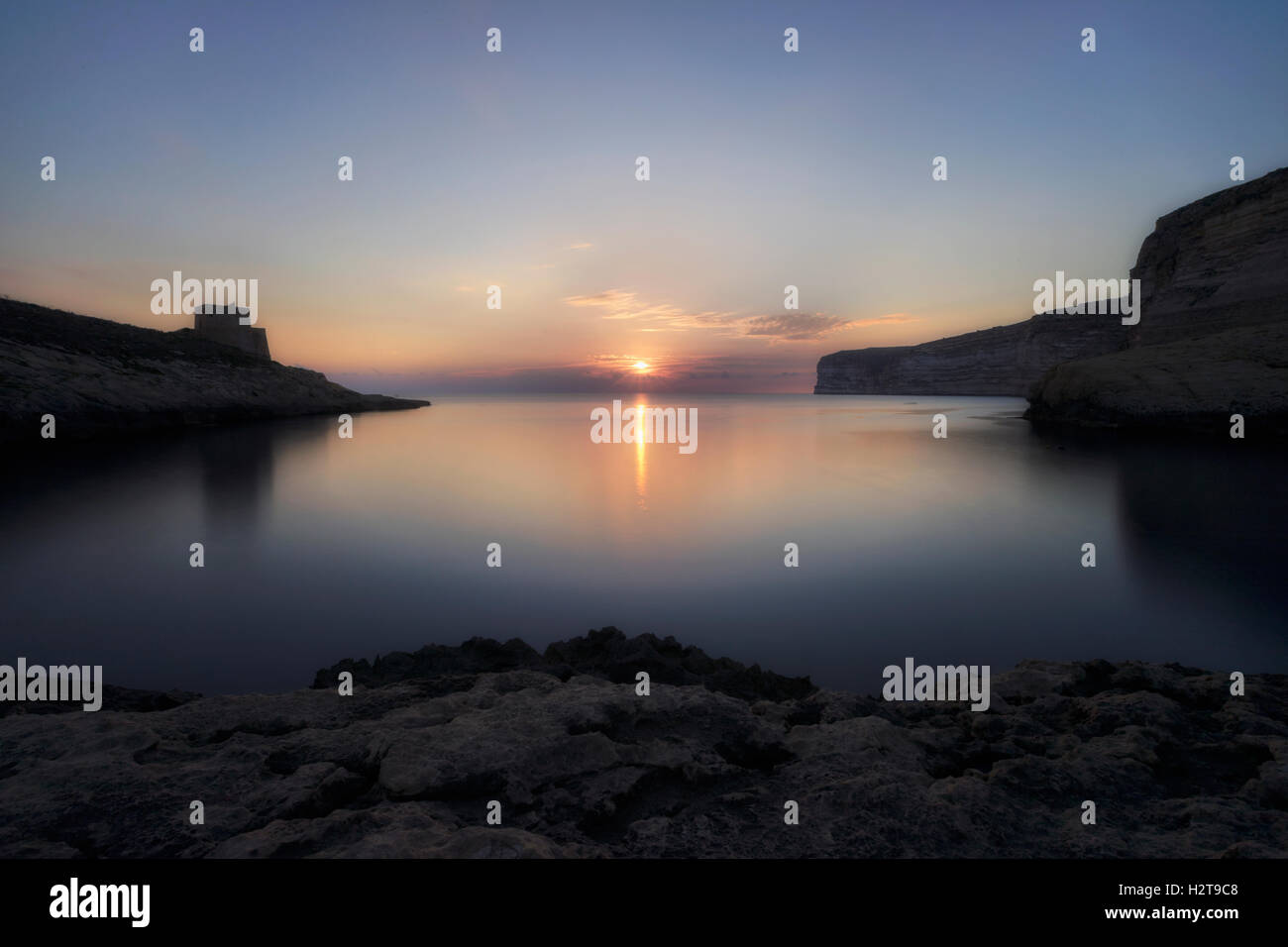 Xlendi Bay, Xlendi Turm, Gozo, Malta Stockbild