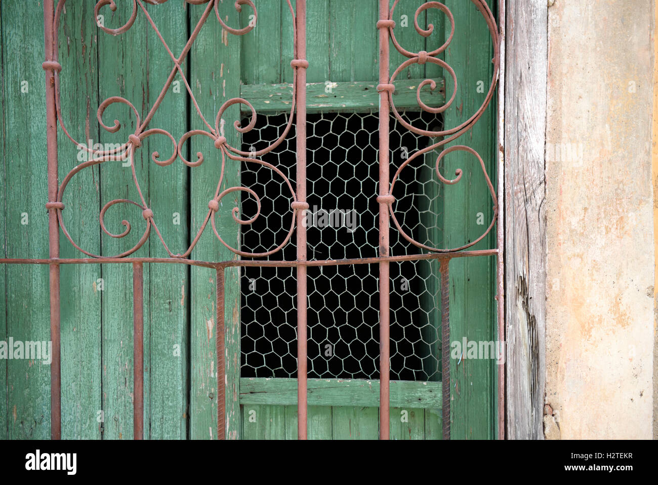 Heart Wrought Iron Gate Stockfotos & Heart Wrought Iron Gate Bilder ...