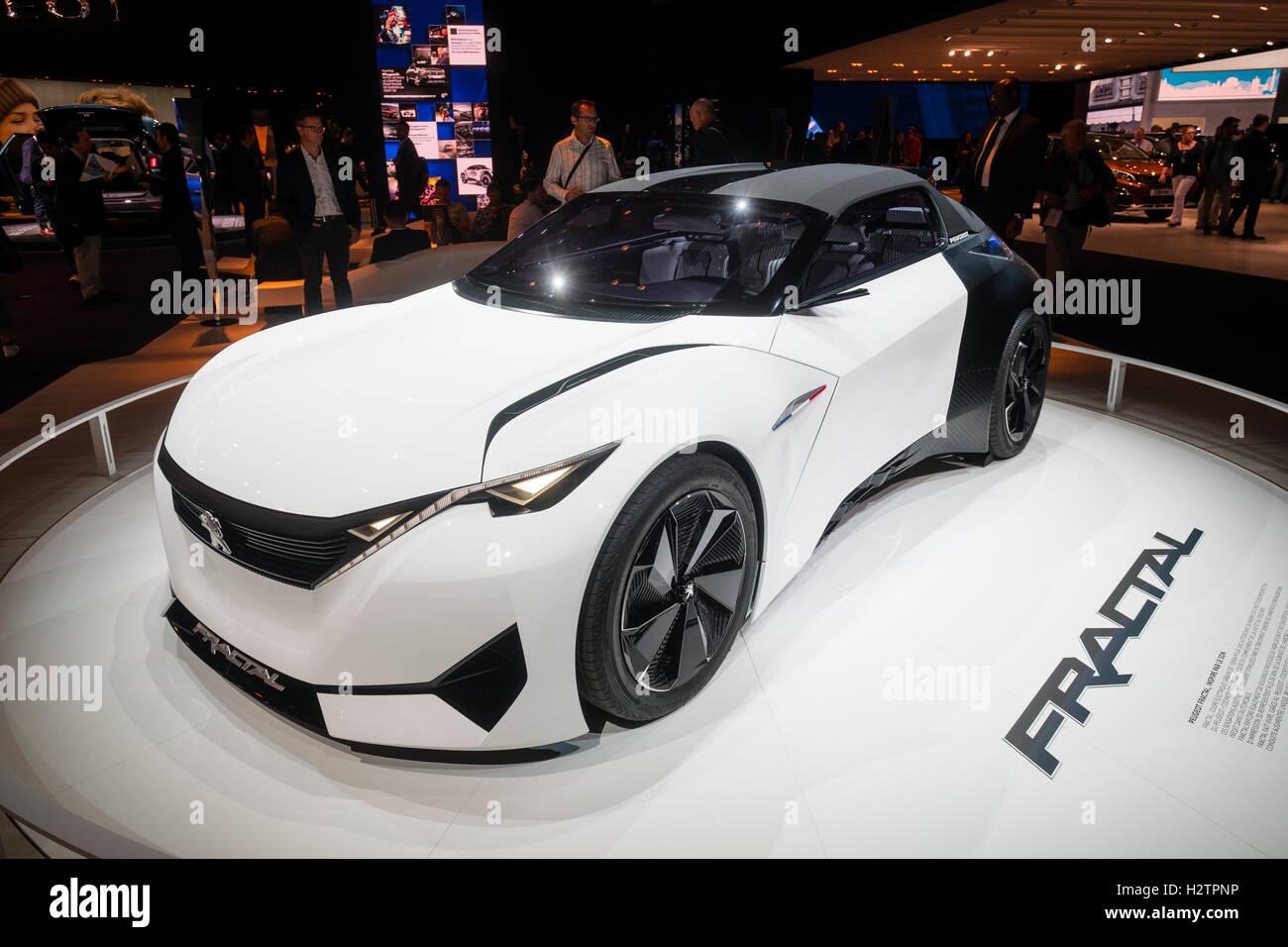 Peugeot Fraktal elektrische Konzeptauto auf der Paris Motor Show 2016 Stockbild