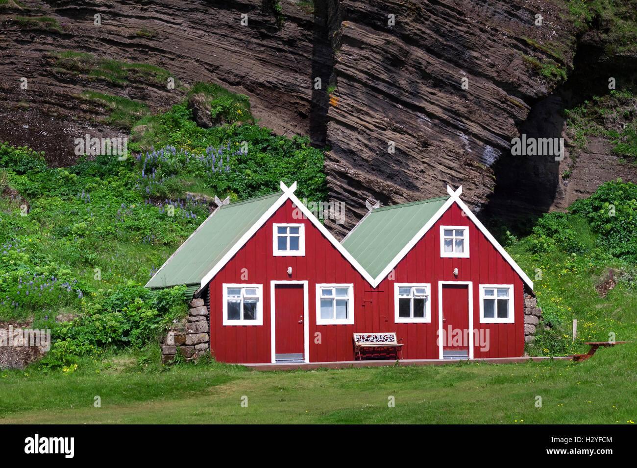 Rote Häuser Bilder zwei schöne skandinavische rote häuser stockfoto bild 122306708