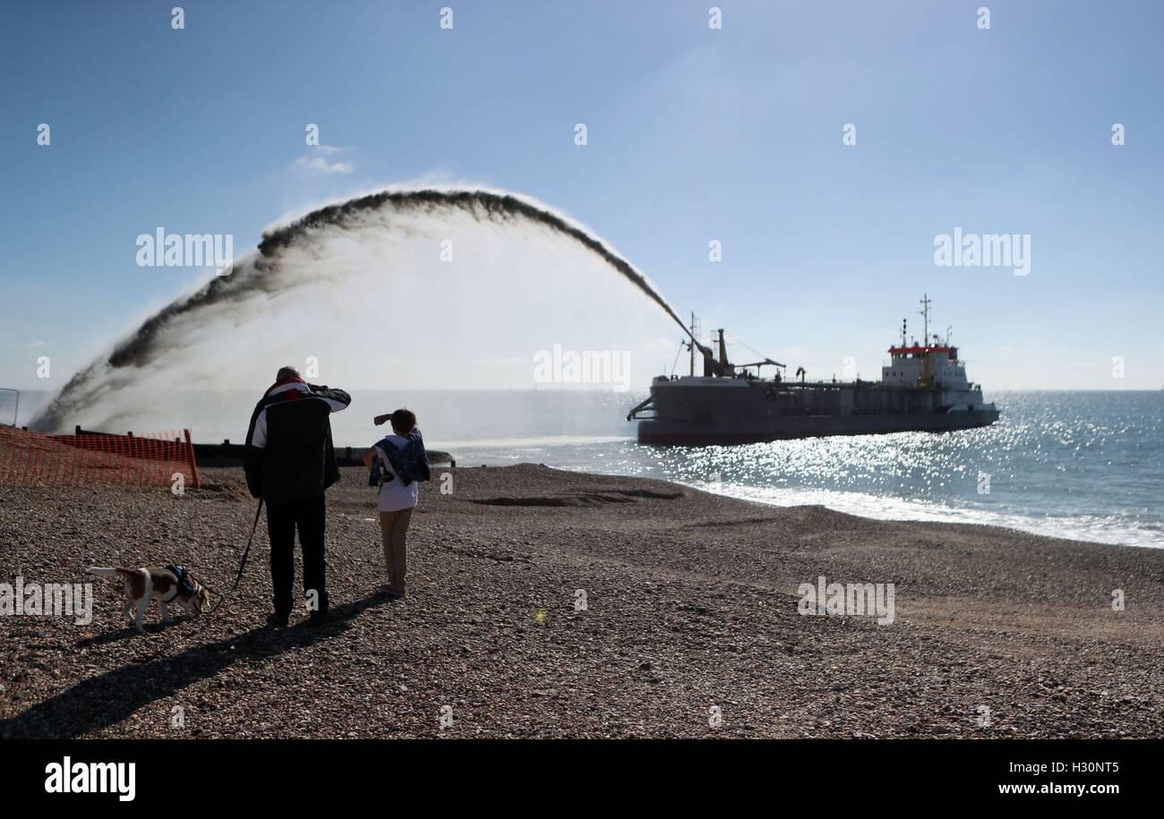 Eine Bagger Pumpen Schindel auf Eastoke Strand von Hayling Island in ...