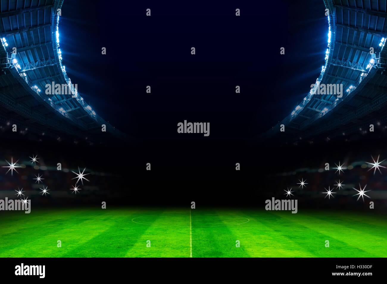 Lichter Im Fussballstadion In Der Nacht Stockfoto Bild