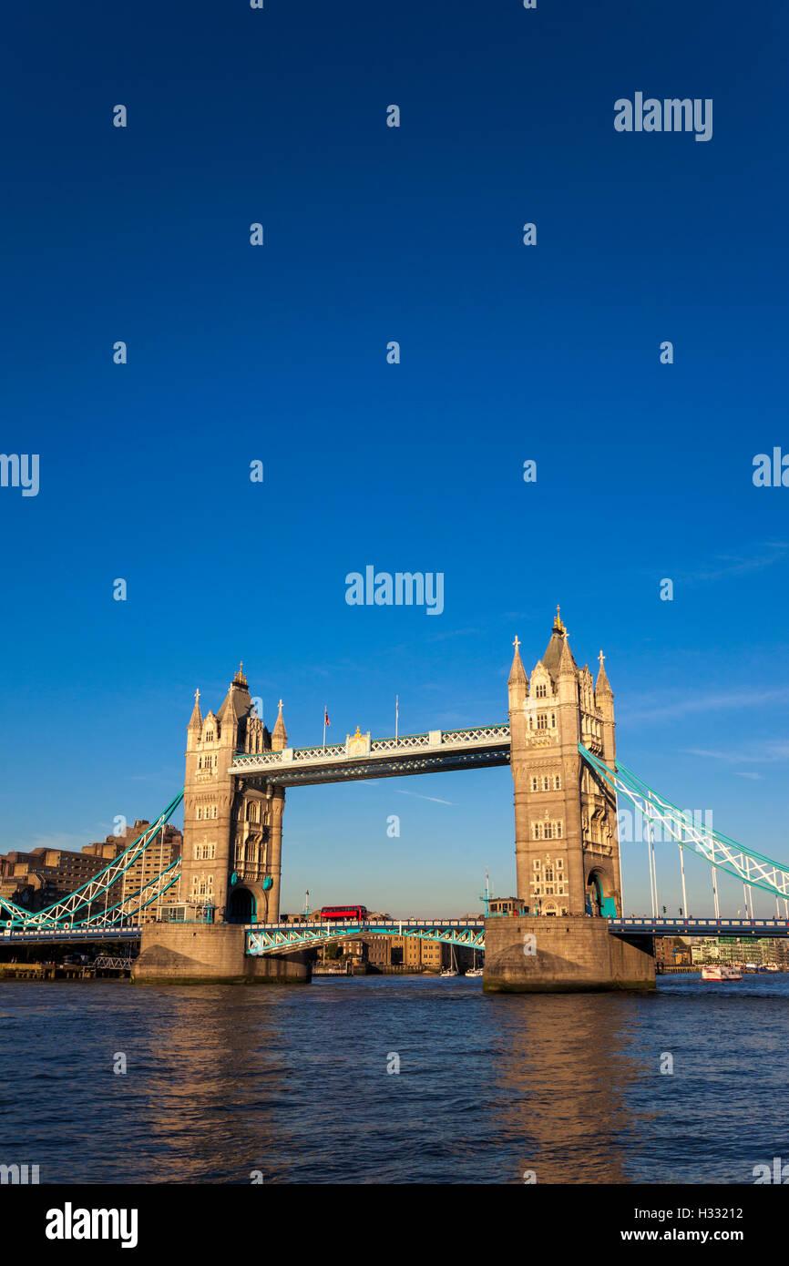 Tower Bridge, London, England Stockbild