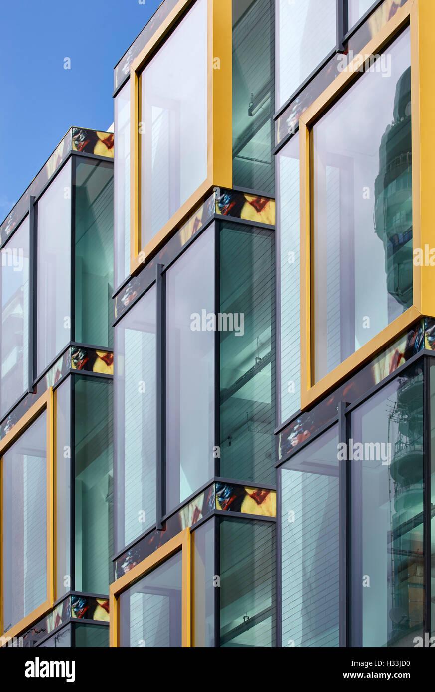 Gold Anodized Stockfotos & Gold Anodized Bilder - Alamy