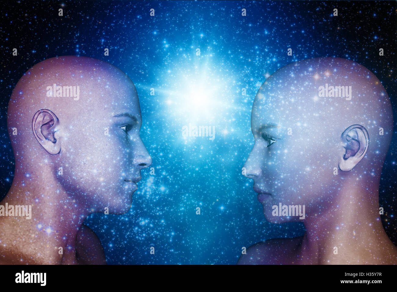 Humanoide Köpfe männlich und weiblich, Androiden, die Zukunft der Menschheit und Telepathie Konzept Stockbild