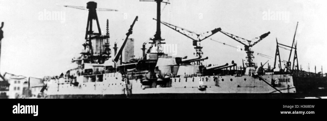 Das Schlachtschiff Bretagne, 1940 Stockbild