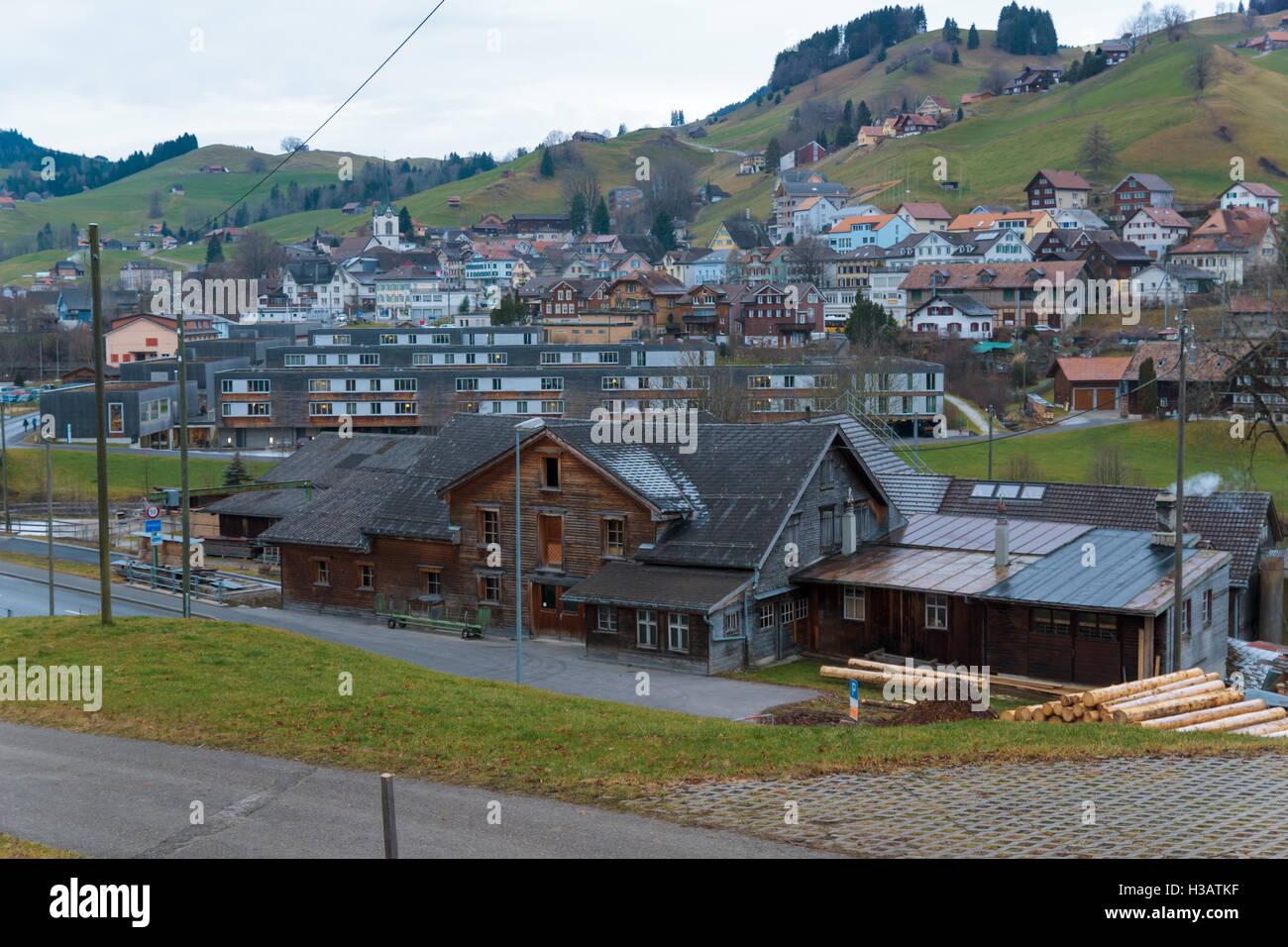 URNÄSCH, Schweiz - 31. Dezember 2015: Blick auf das Dorf Urnäsch, Kanton Appenzell Ausserrhoden, Schweiz Stockbild