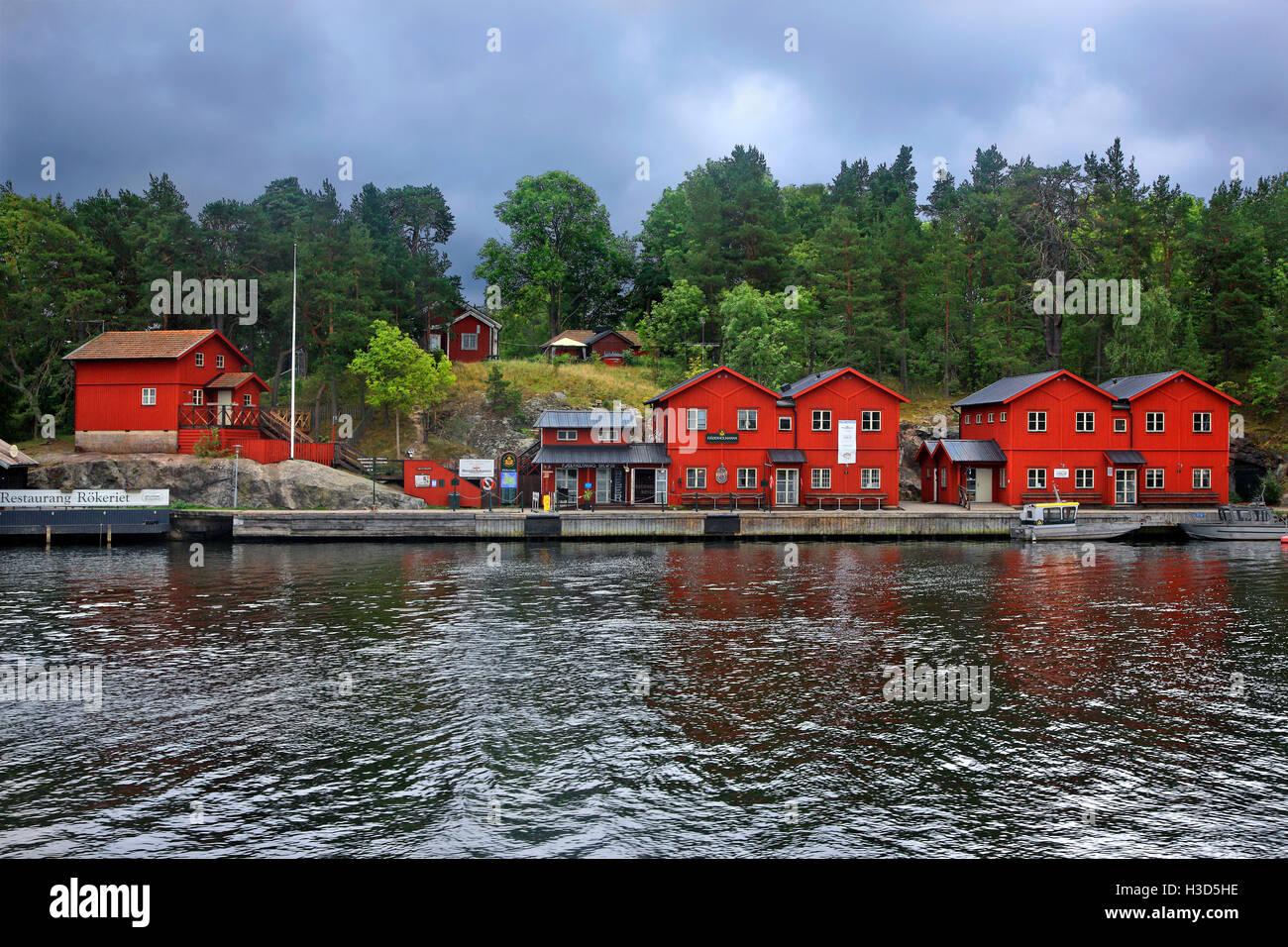 Fjäderholmarna Insel in den Schären von Stockholm, Schweden. Blick vom Schiff während einer täglichen Stockbild
