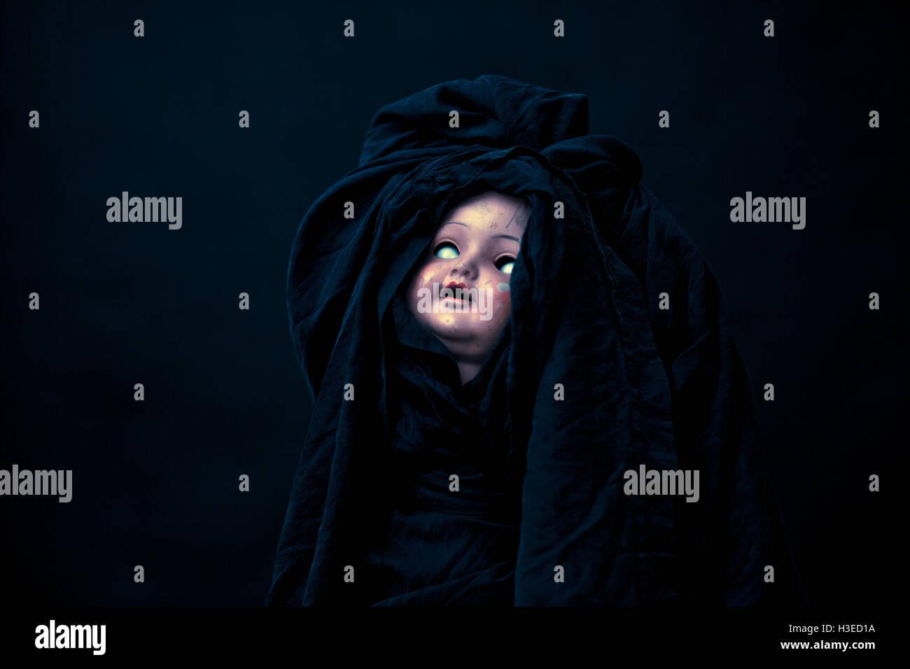 Gruselige Puppe Stockbild