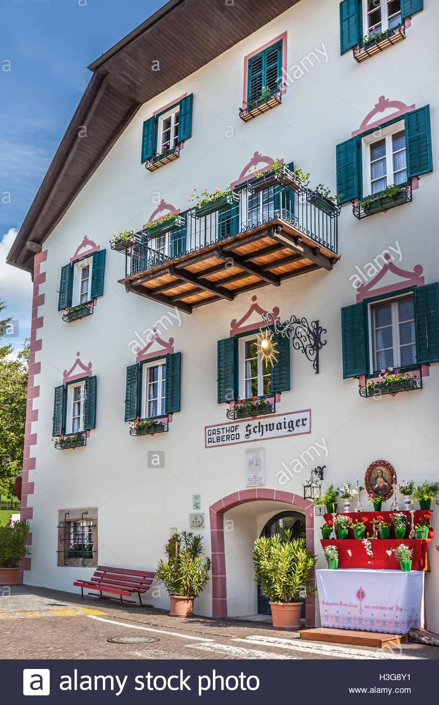 Historisches Gästehaus in Lengstein am Ritten, Südtirol, Italien Stockbild