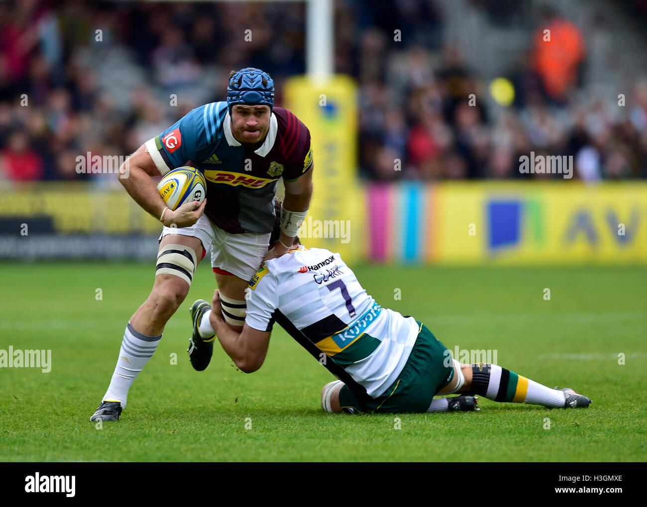 London, UK. 8. Oktober 2016. James Horwill (c) der Harlequins wurde während der Aviva Premiership Rugby-Spiel Stockbild