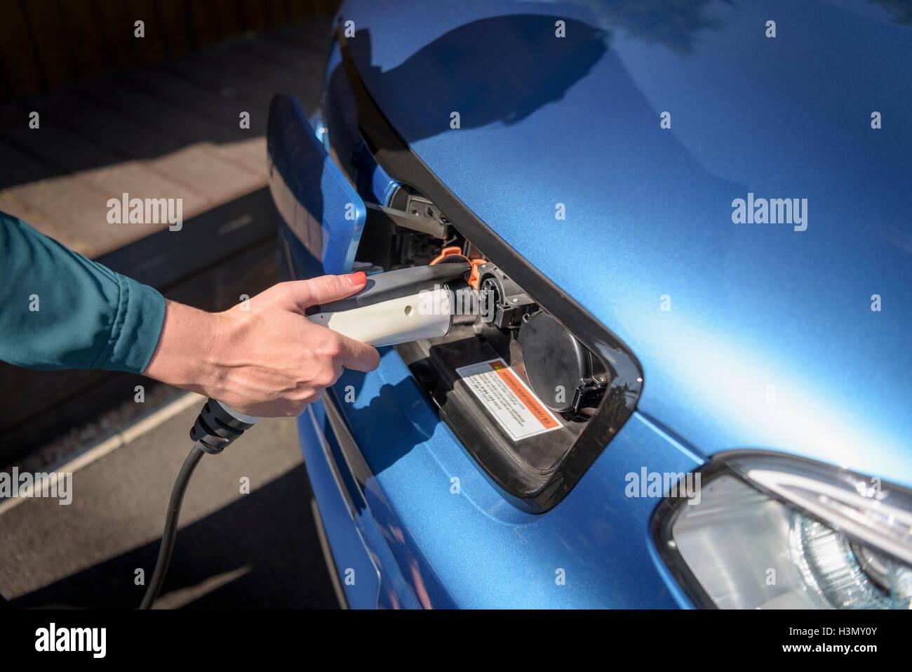 Tolle Elektroauto Verkabelung Fotos - Schaltplan Serie Circuit ...