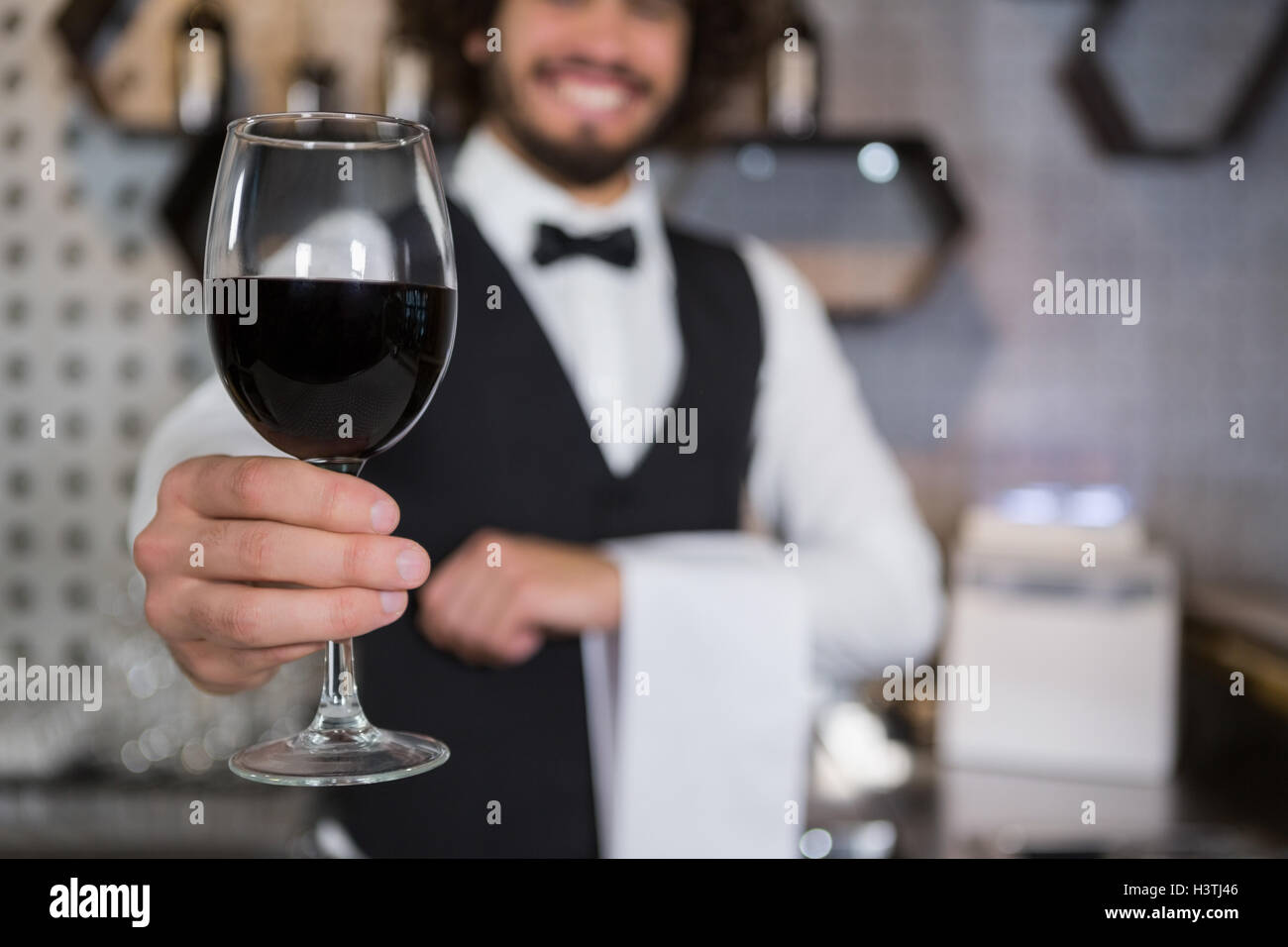 Waiter Serving Red Wine In Stockfotos & Waiter Serving Red Wine In ...
