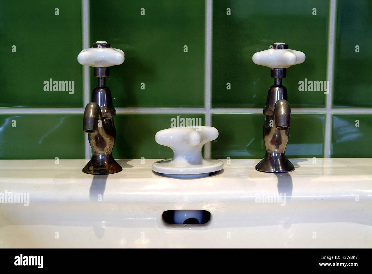 Waschbecken Detail Armaturen In Eine Altmodische Art Und Weise