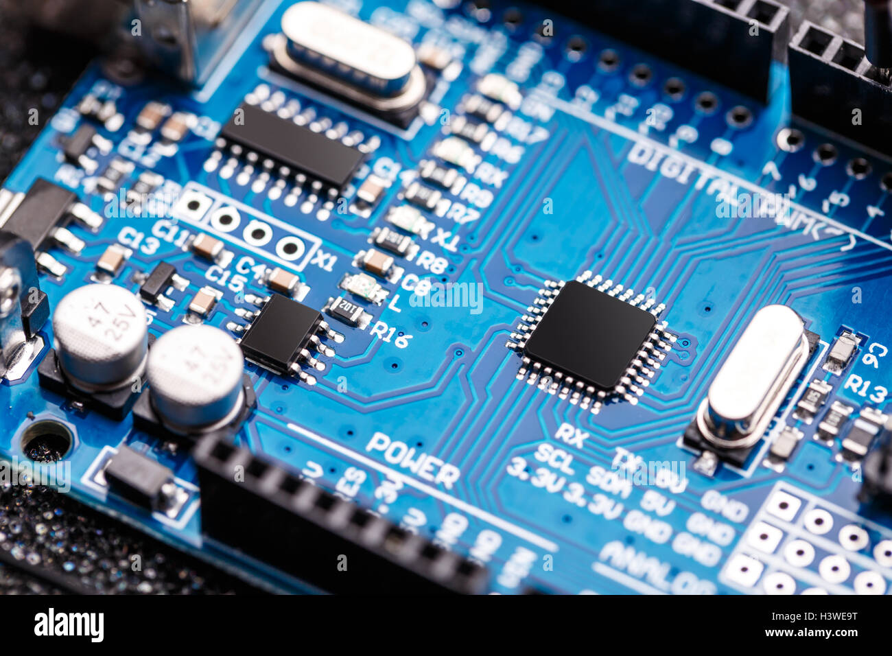 Electronic Circuit Board With Gold Smart Wiring Diagrams Printed Repairs Halbleiter Chip Integriert Mikroprozessor Auf Blaue Testing Military Equipment