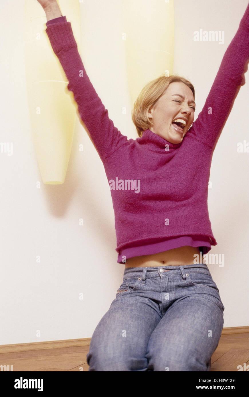 Frau, Knien, glücklich, Stock, Geste, jubeln, Modell veröffentlicht ...