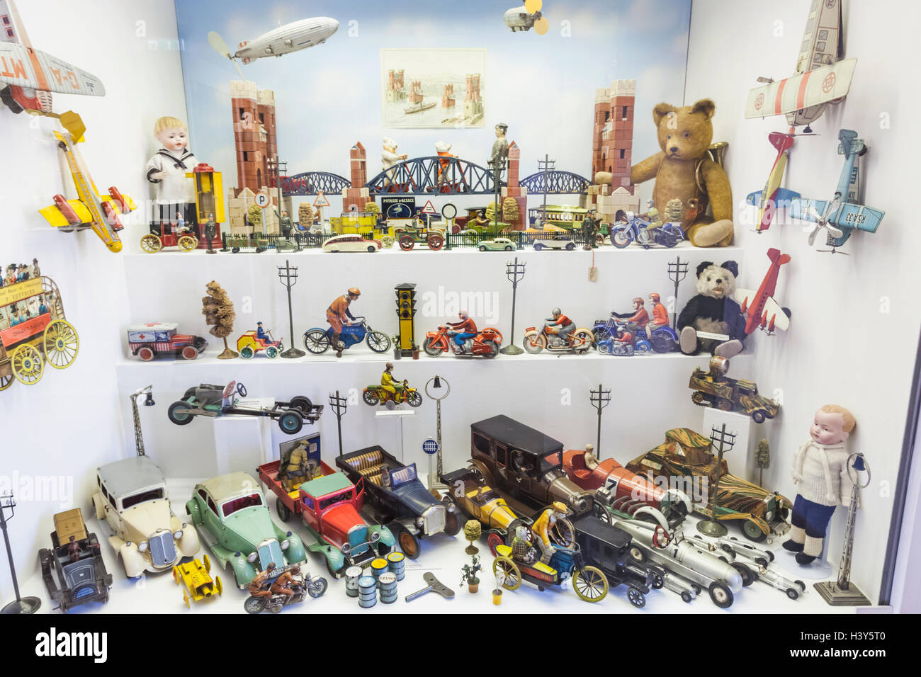 munich toys stockfotos munich toys bilder alamy. Black Bedroom Furniture Sets. Home Design Ideas