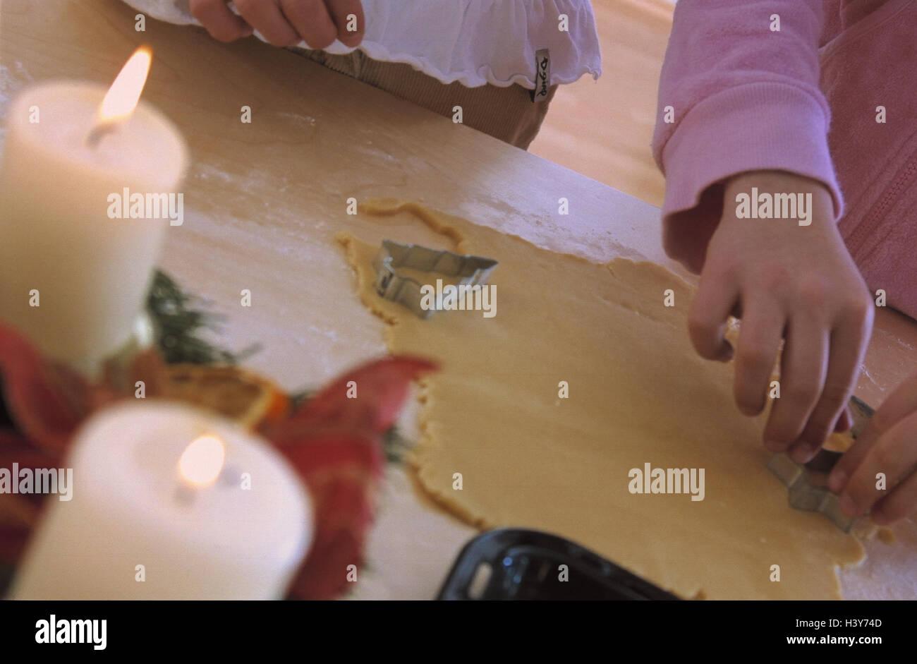 Yule Flut Backen Kinder Teig Freisteller Detail Advent